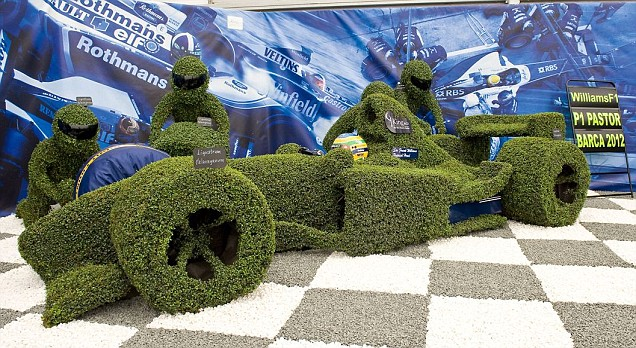Hedge in the shape of an F1 car